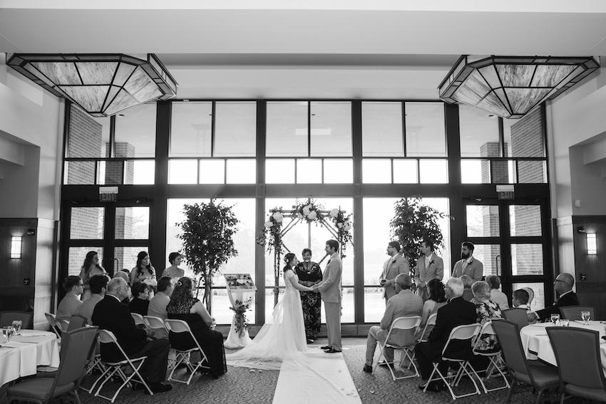 wedding ceremony at lyon oaks