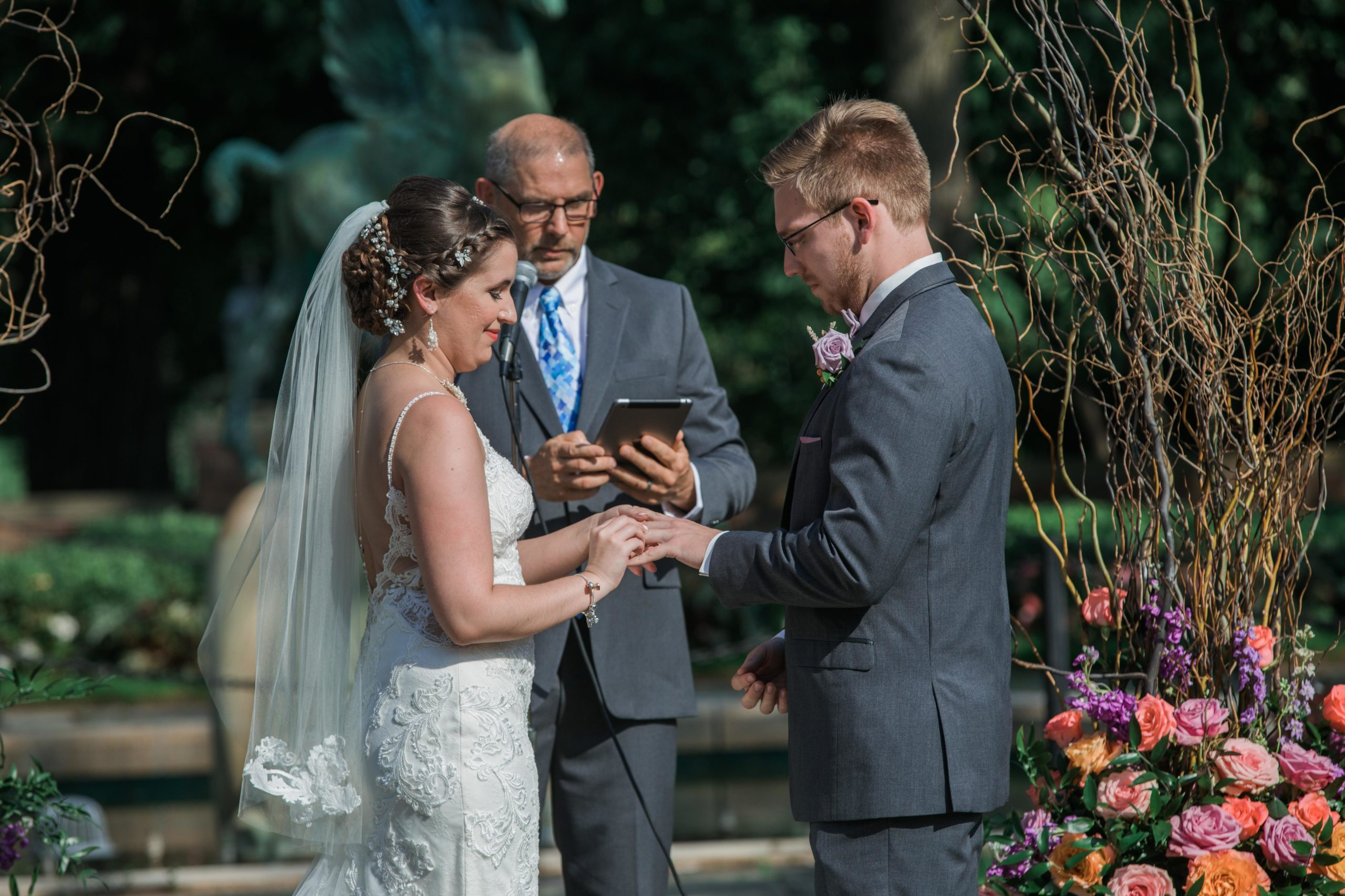 bride and groom outdoor wedding ceremony