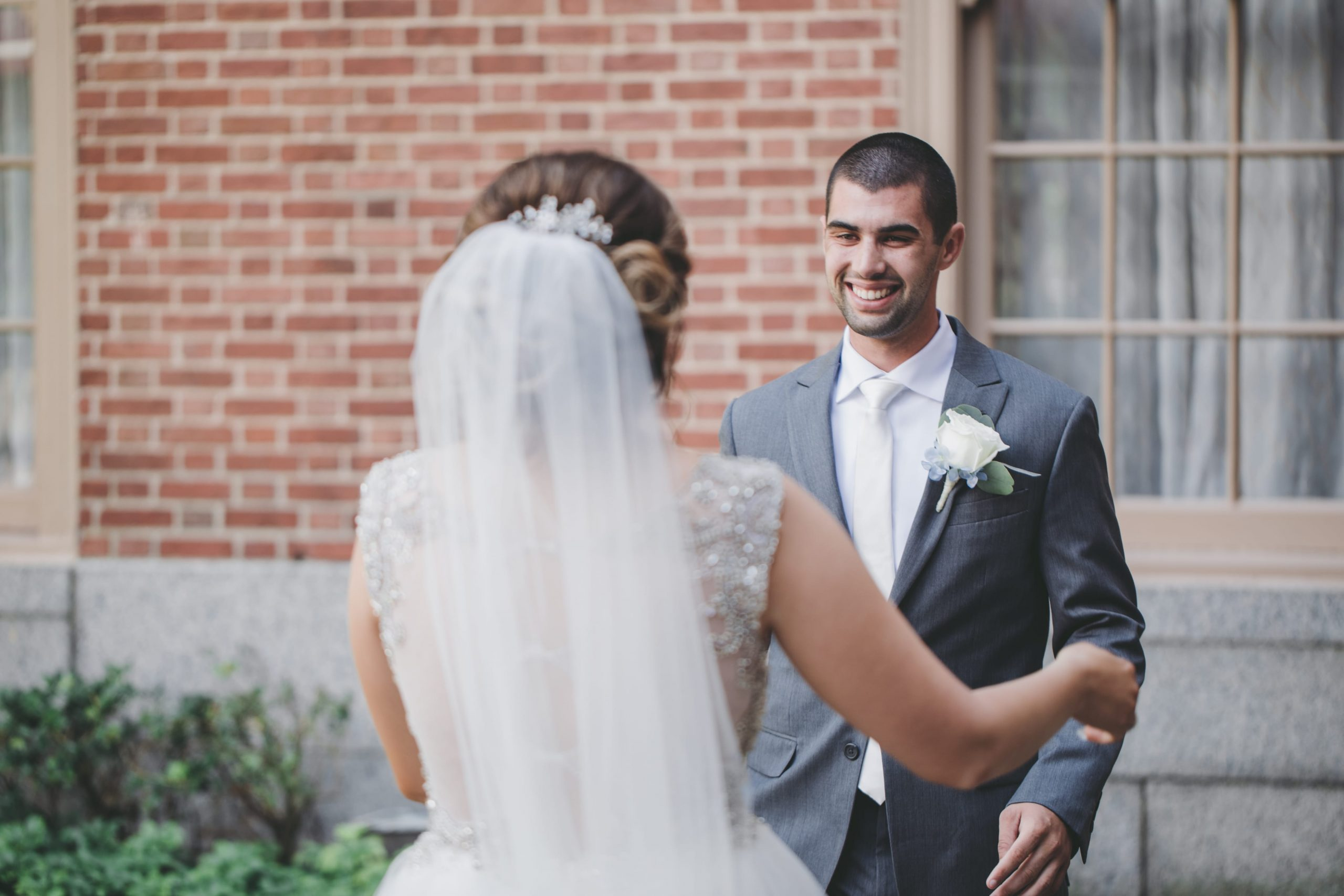 groom's reaction to first look