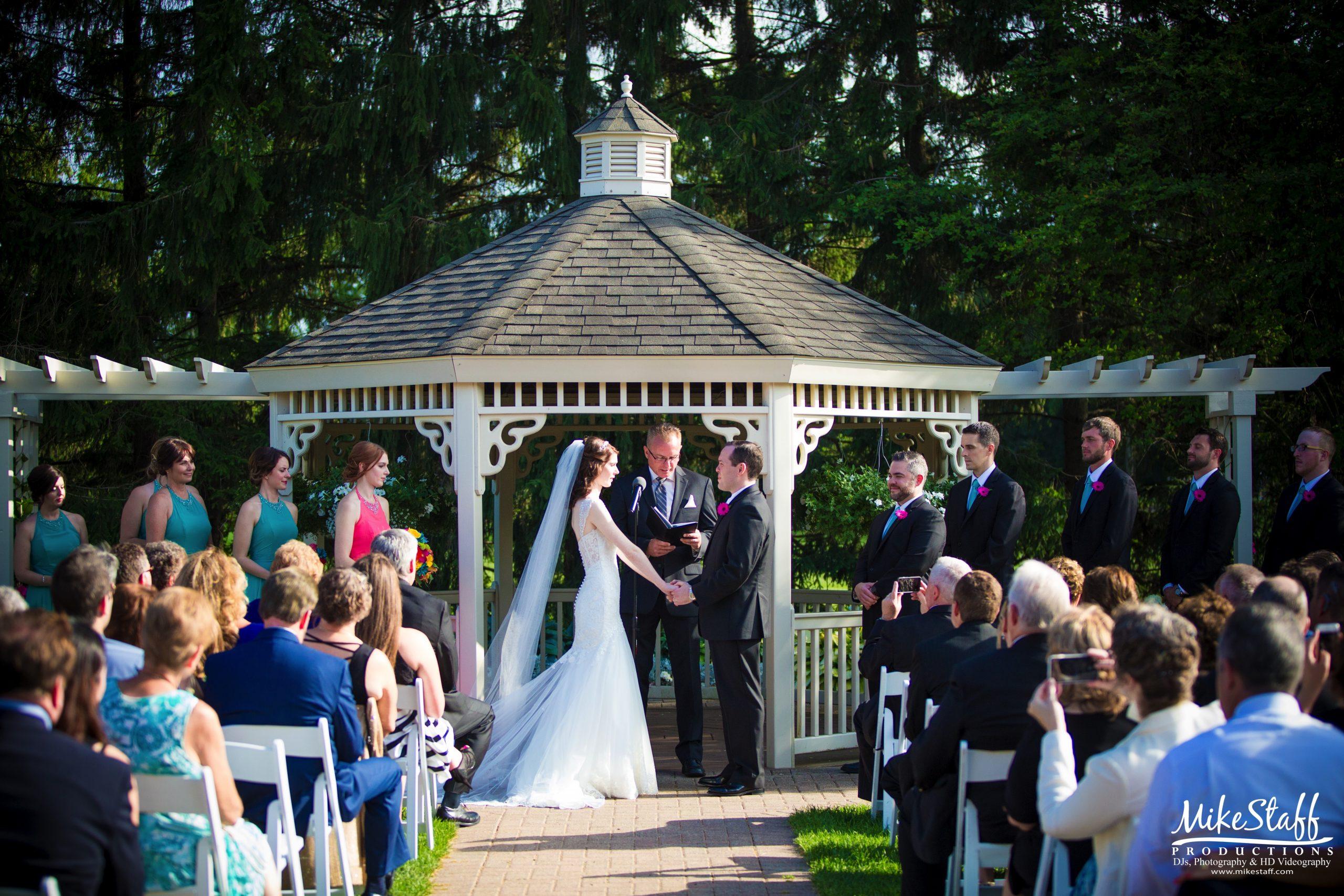 wedding ceremony at fox hills