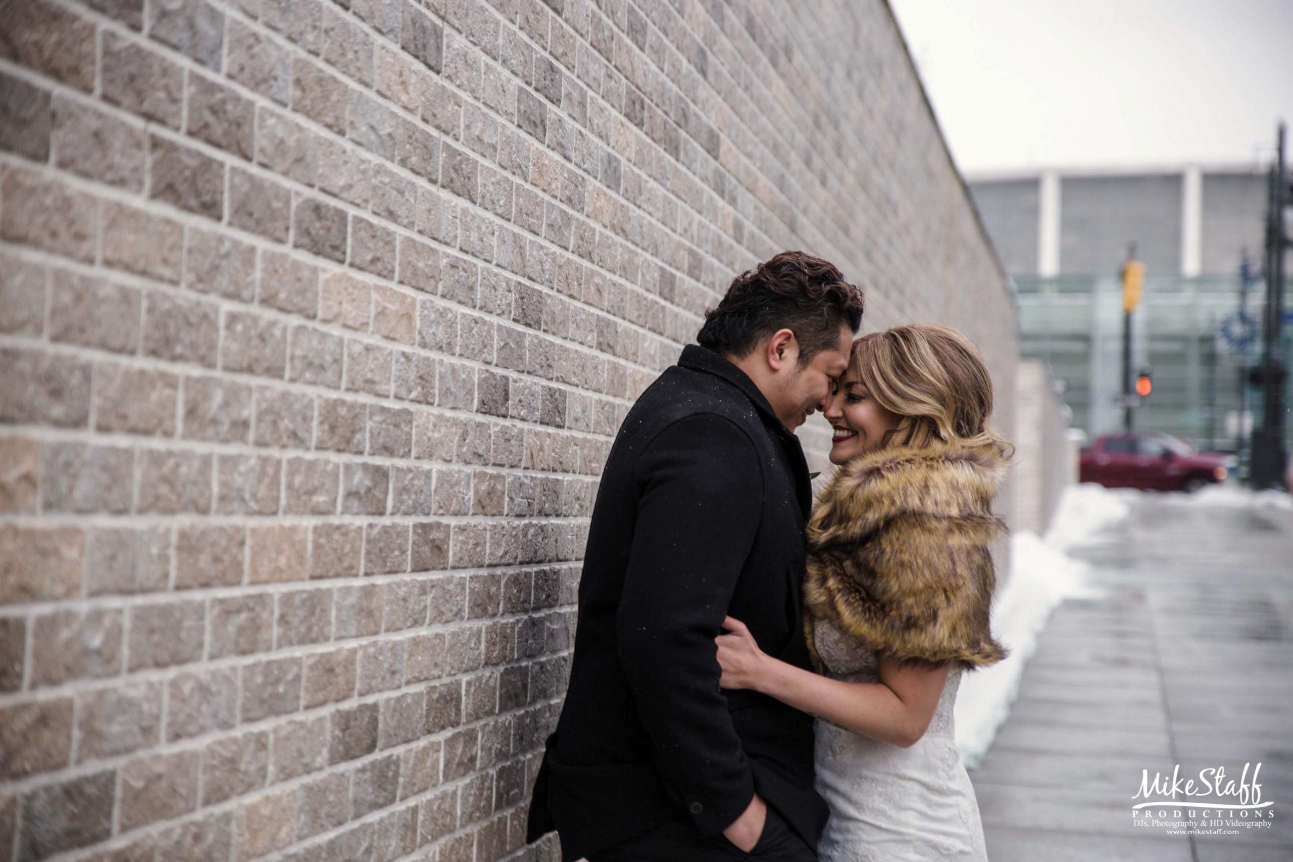 bride and groom outdoor wedding in winter in Detroit