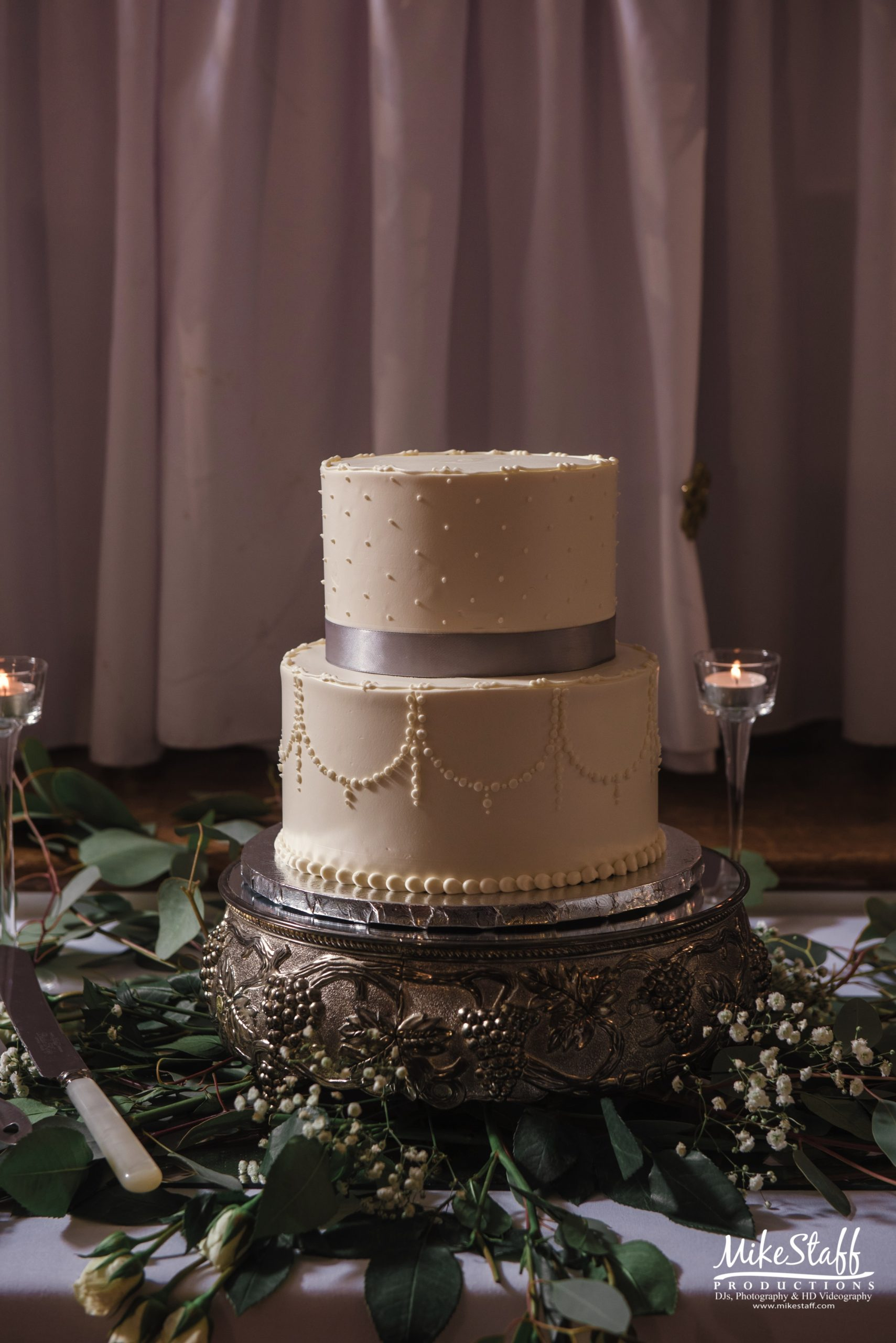 wedding cake details shot