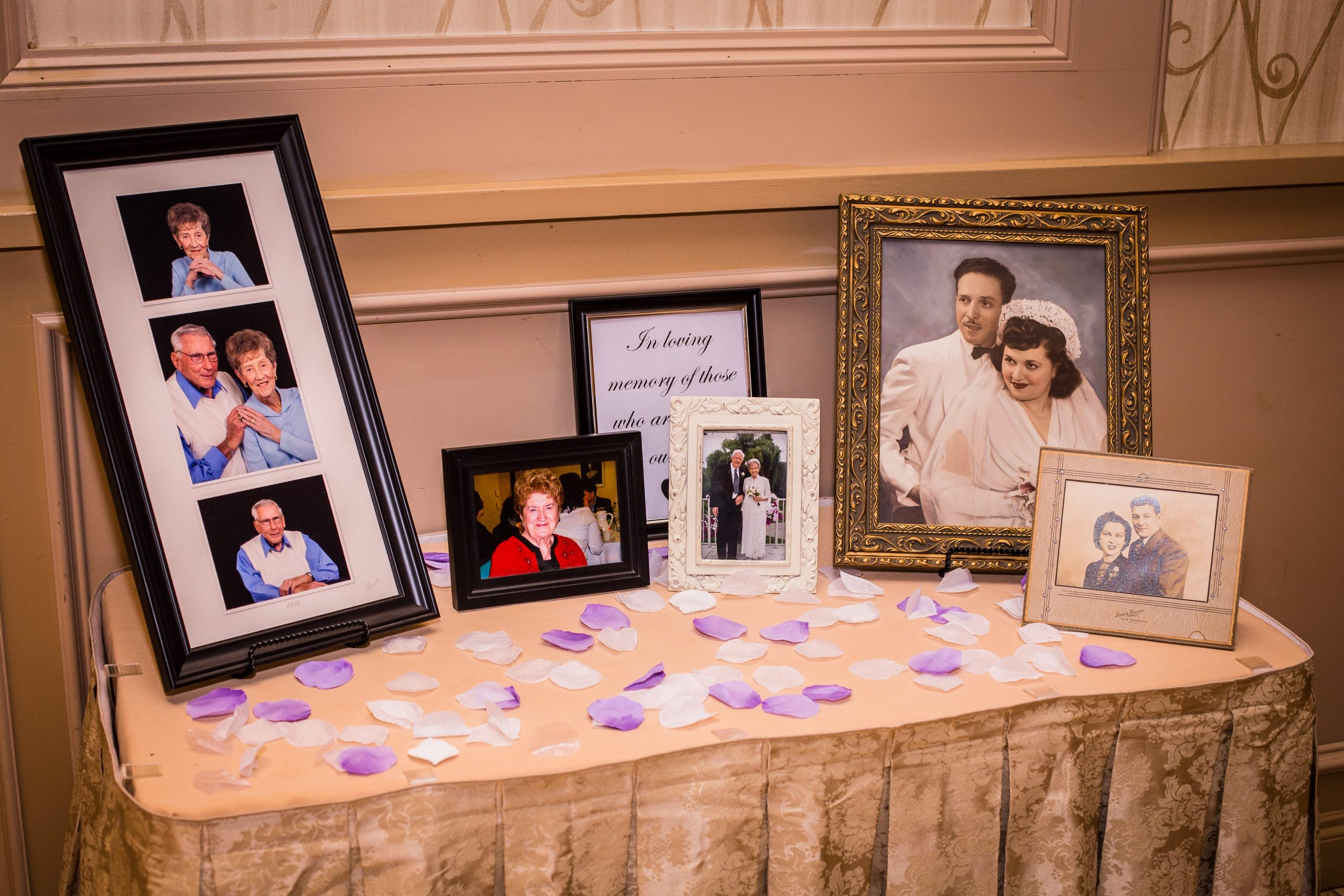 """In Memory"" table at wedding reception"