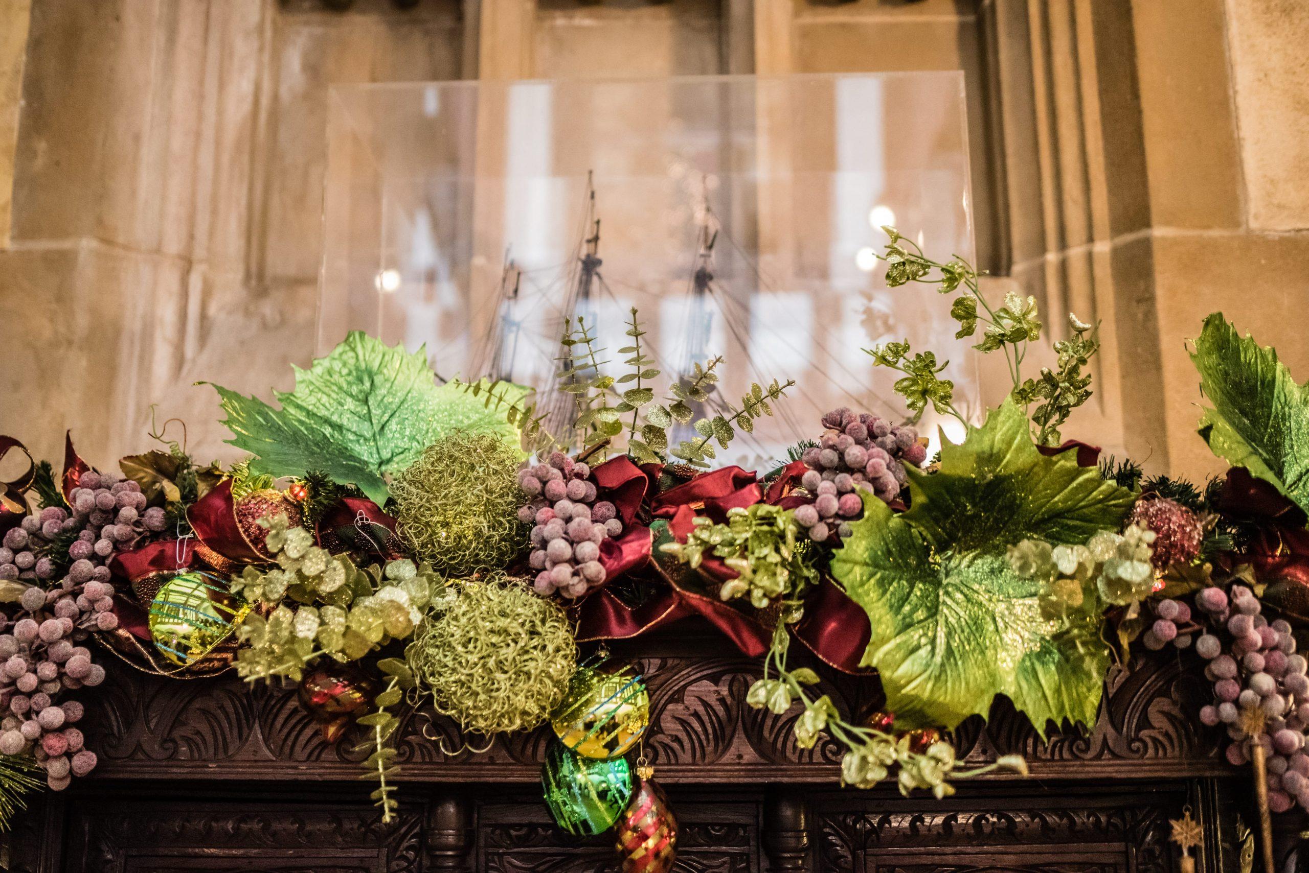 Christmas floral details