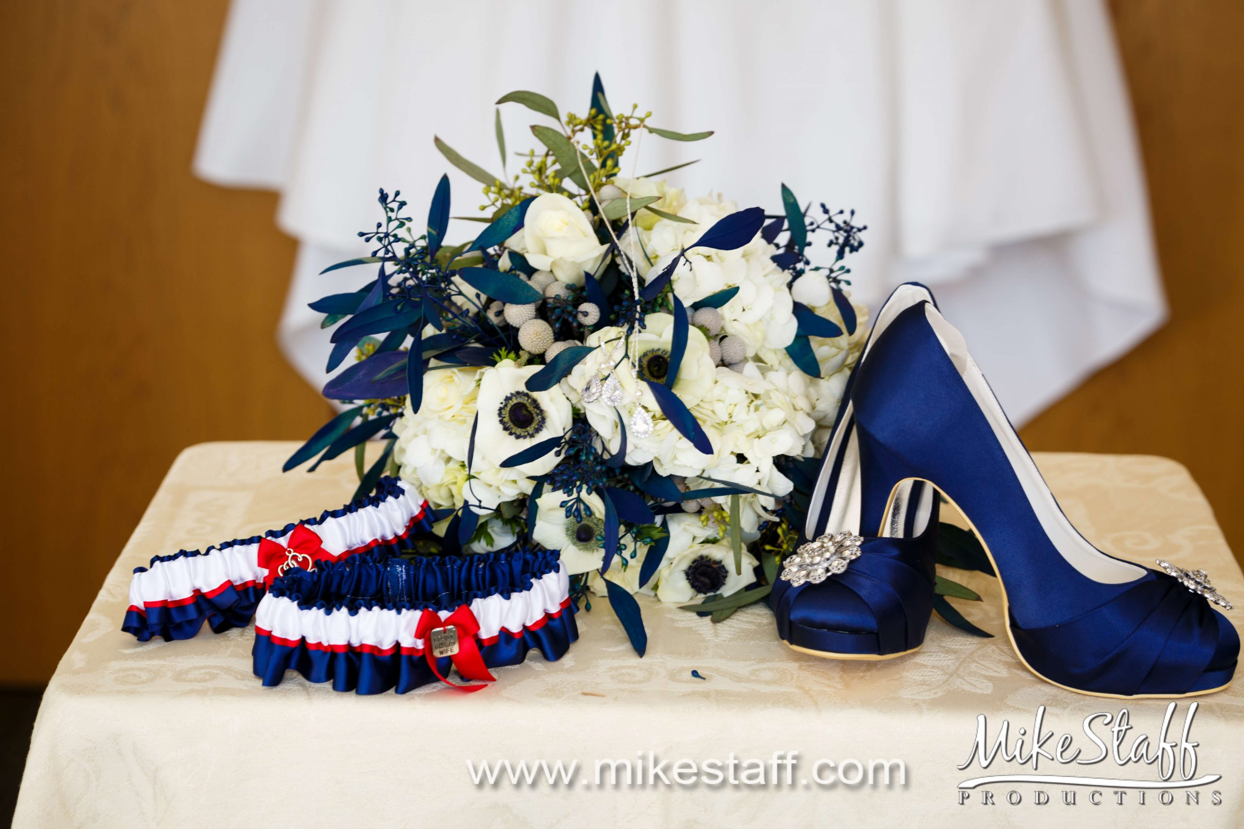 red white and blue bridal accessories