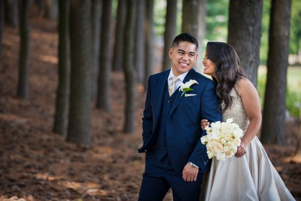 Oakhurst grounds wedding day romantics