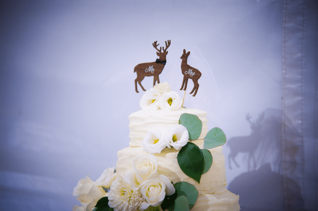 Hunting Themed Wedding deer as cake topper