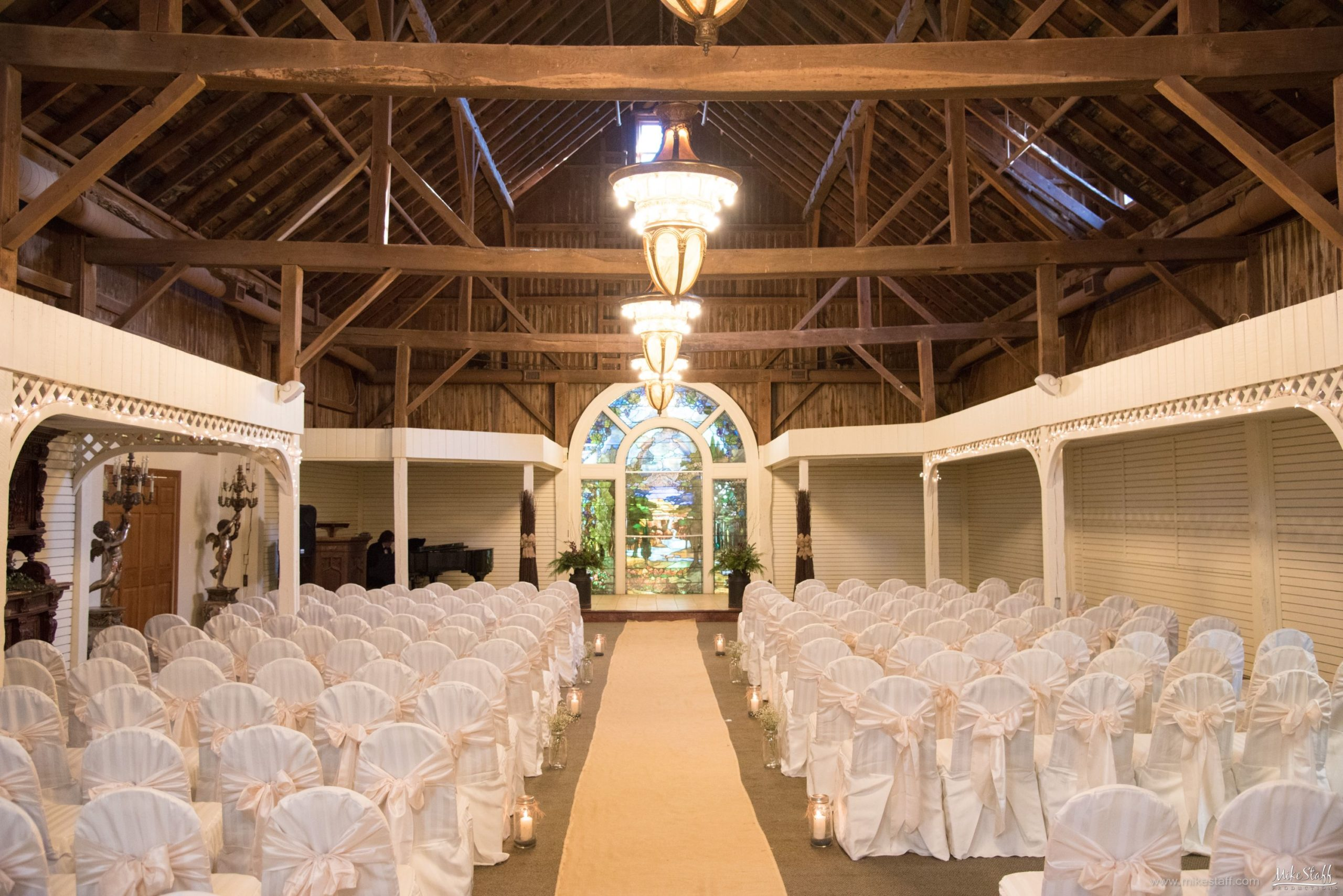 ceremony space at kings court