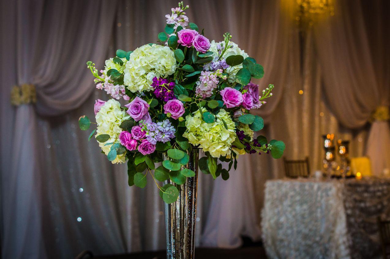 floral centerpiece details