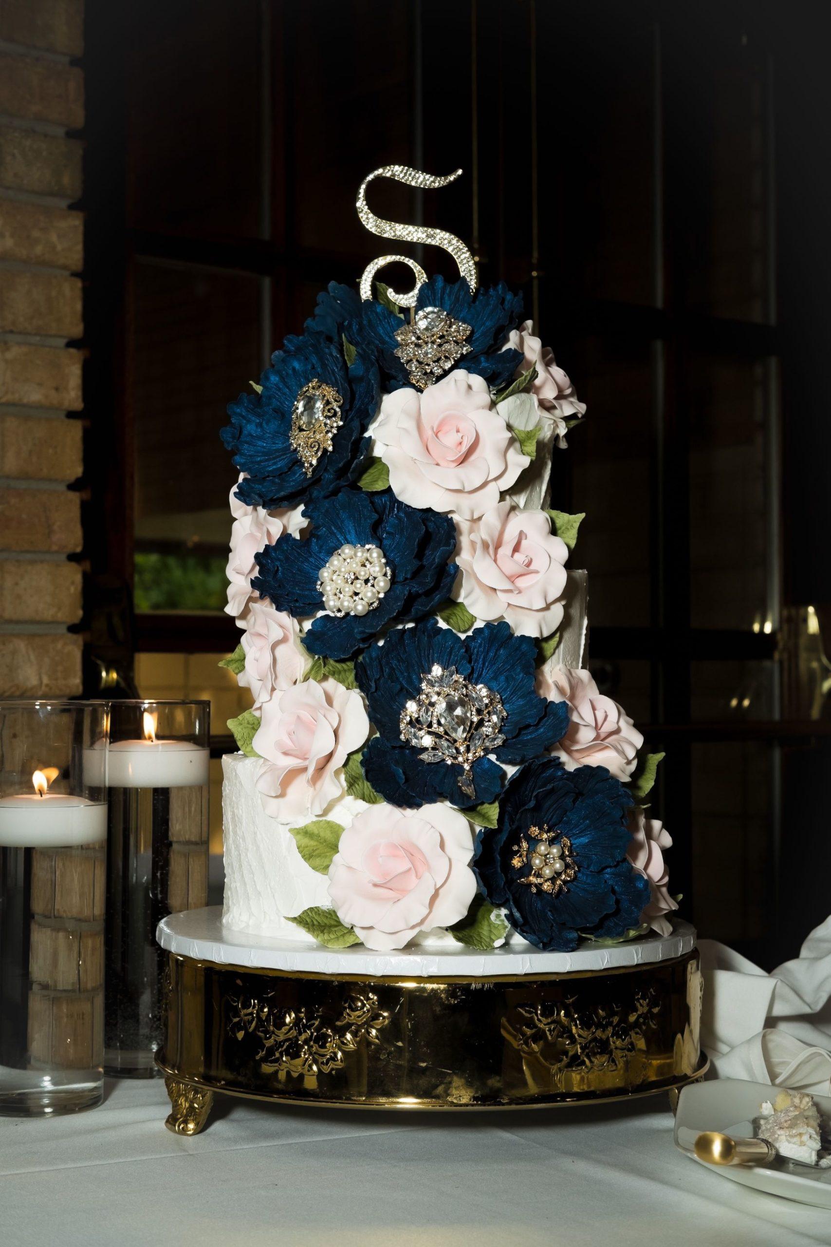 floral wedding cake scaled 1