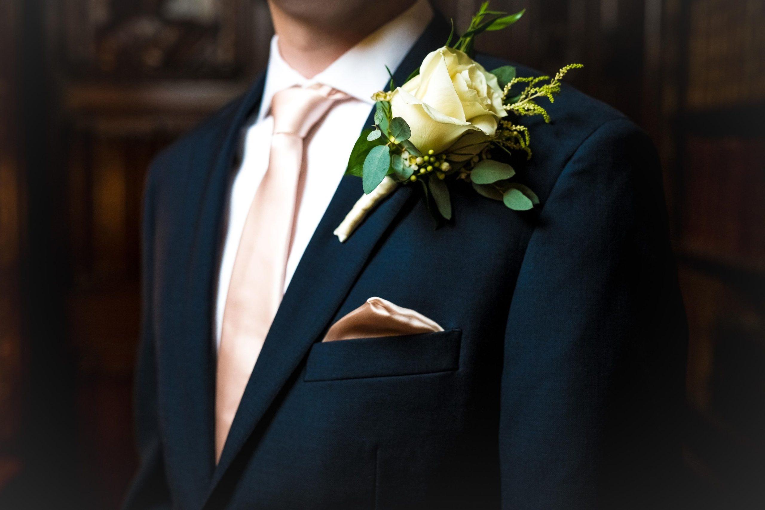 groom wedding day details