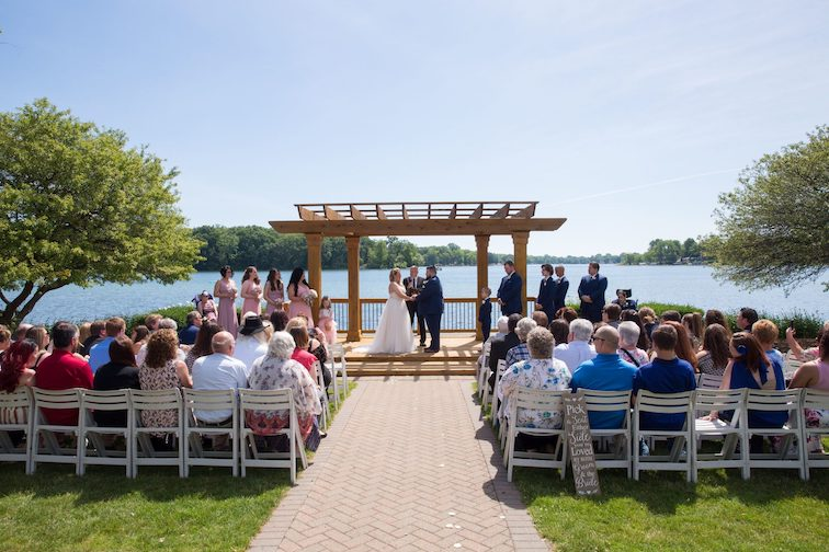 wedding ceremony at bay pointe