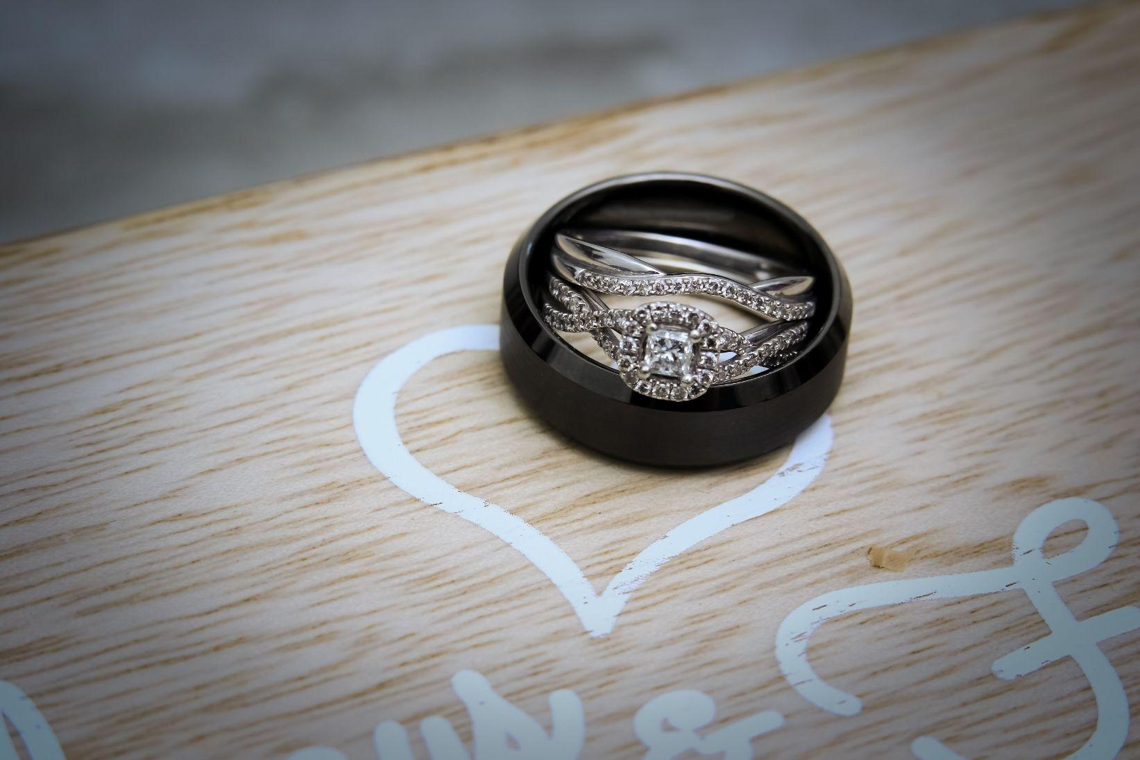 wedding ring details 3