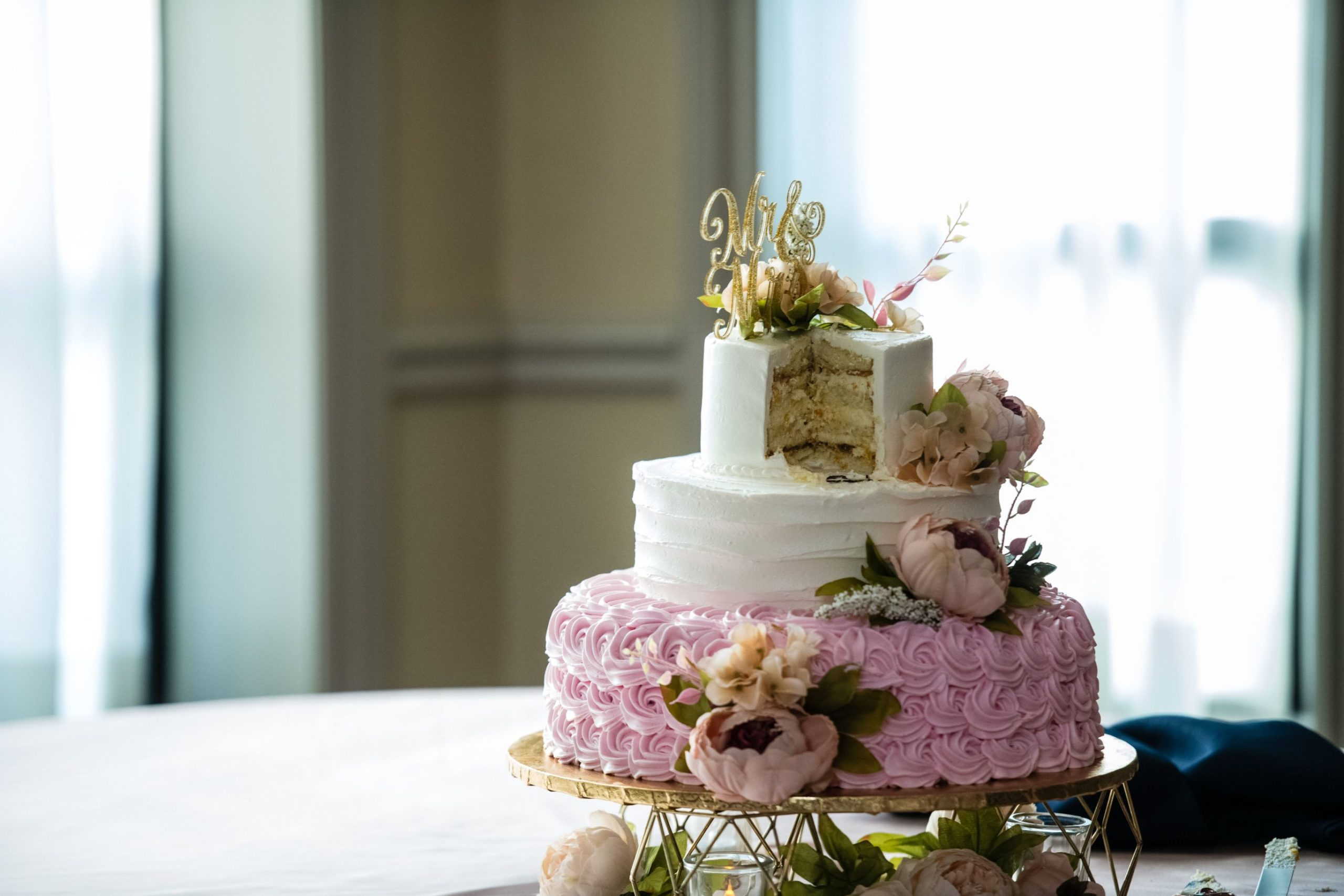 white and pink cake details