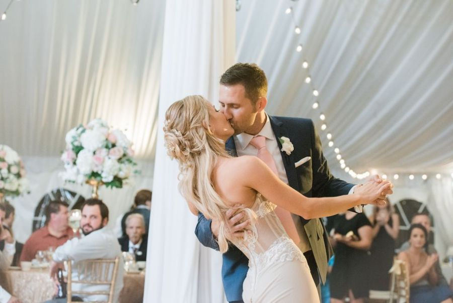 first dance kissing