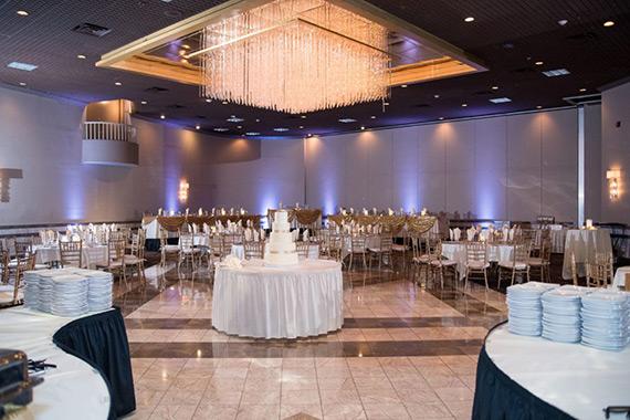 laurel manor reception space chandelier