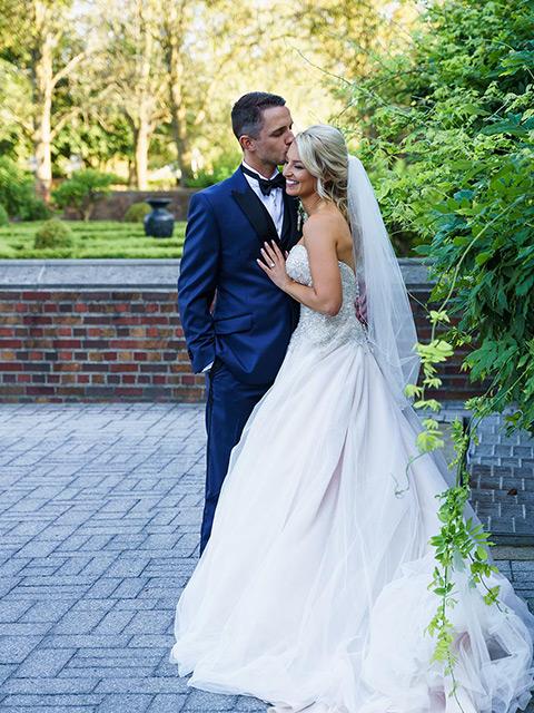 wedding photos in Rochester Michigan