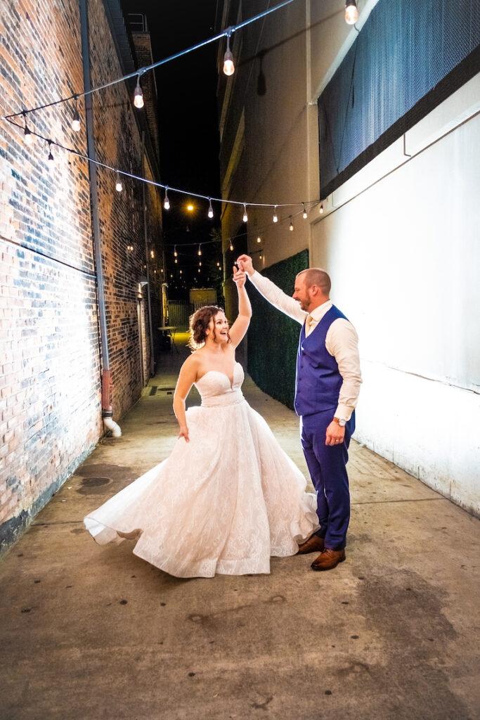 bride and groom outdoor detroit